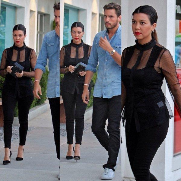 07.08.13 : Kourtney en mode sushis à Los Angeles