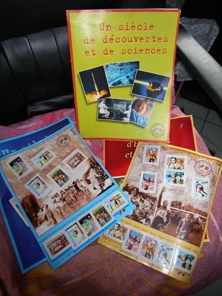 voici les planches de timbres que j'ai trouvé