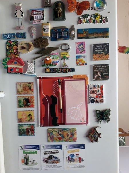mes magnets..;sur mon frigo