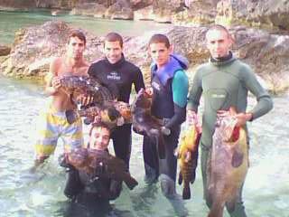 notre equipe de chasse sous marine