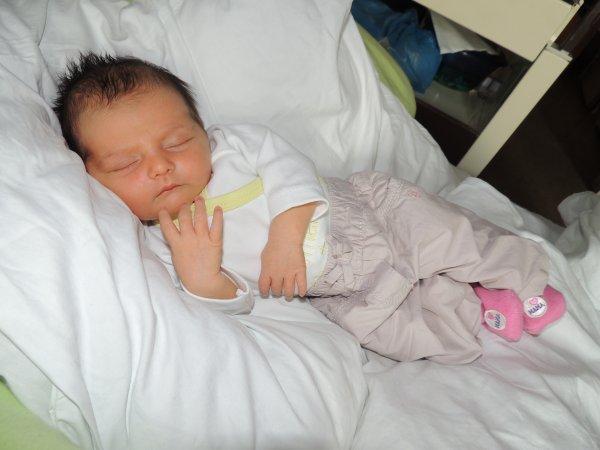Ma fille, Ma vie, mon etOile, Ma perle, MOn rayOn de sOleil je t aime.