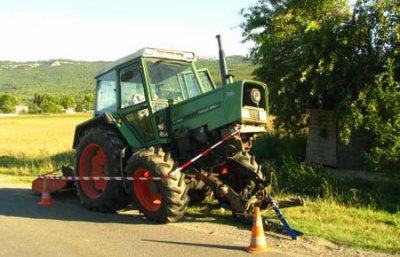 fendt tracteur accident tracteur accident vol de. Black Bedroom Furniture Sets. Home Design Ideas