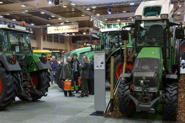 08 12 2013 agribex bruxelles salon agricole salon de l 39 agriculture tracteur - Salon de l agriculture materiel agricole ...