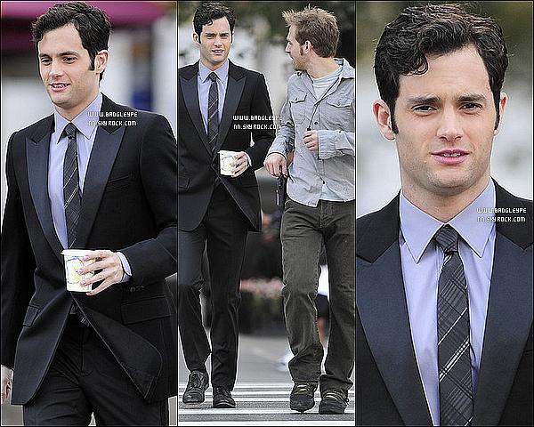 *Penn et sa meuf de toujours, Blake Lively sur le tournage de Gossip Girl le 21 septembre 2010.*