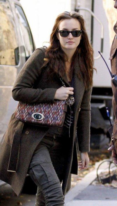 """Leighton Meester a filmé une scène pour """" Gossip Girl """" à New York, le vendredi 28 octobre 2011."""