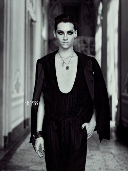 17.07.2010 - L'Uomo Vogue photoshoot, Catane (Italie).