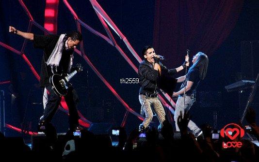 03.06.2011 - MuzTV Awards 2011, performance (Moscou, Russie).