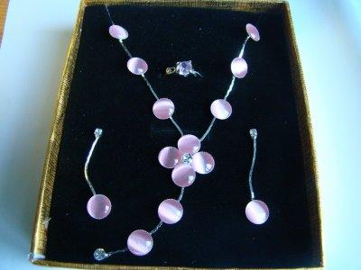 bonjour vend de bijoux montre et accessoires