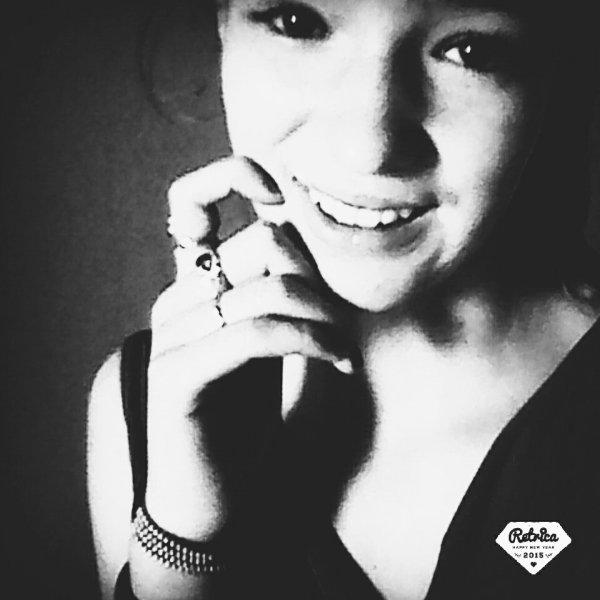 Aujourd hui je souris a ceux qui ont plus de Hier que de Demain.