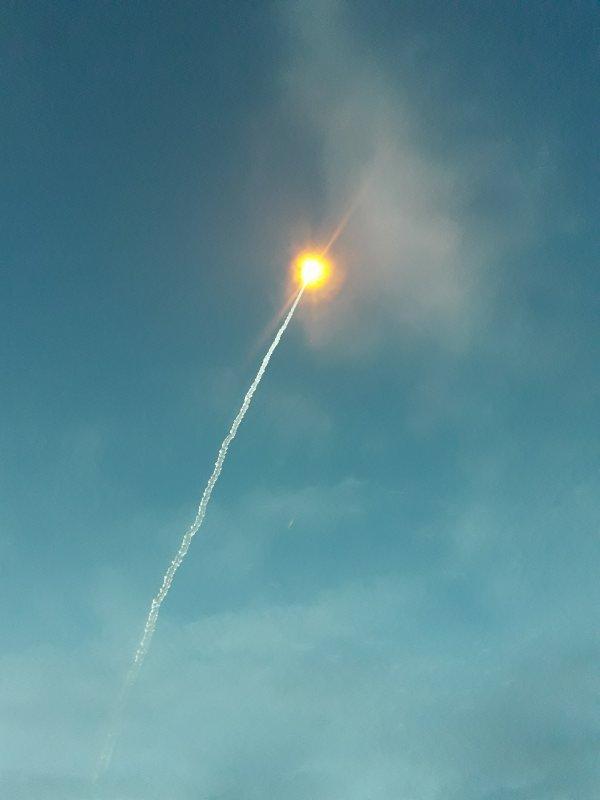 Ce n'est pas le soleil mais c'est la fusée du 4 mai 2017