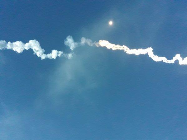 La fusée du 4 mai 2017 et la lune juste à côté