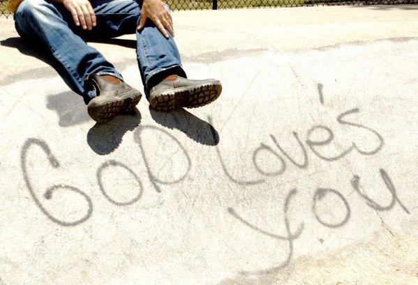 ♫♪  Jésus est le chemin, la vérité , la vie ♥ . ♫♪ ______________________________________________________________________________________________________Dieu a temps aimé le monde qu'il a donné son fils unique: Jésus. Pour que  quiconque confesse son nom soit sauvé. Il nous a temps aimé qu'ils nous à laissé faire le choix entre la vie & la mort. Autrement dis, vivre sa vie en christ ou vivre selon les passions du monde.  Je confesse que Jésus Christ est le  Seigneur des seigneurs  , à lui  seul appartient la gloire ! La vidéo parle d'elle même.  Cliquez   ici ..
