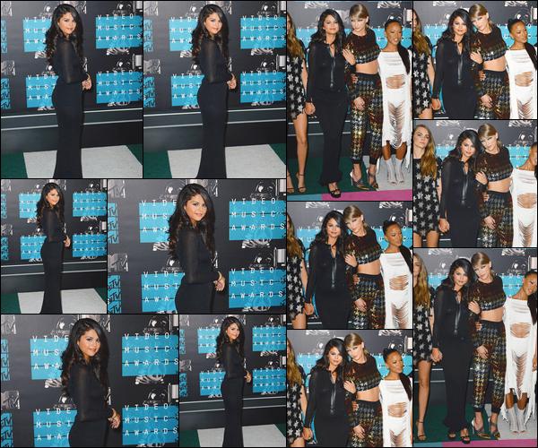 - ''-30/08/15-''- • '-Selena M. Gomez était présente à la cérémonie des « Video Music Awards »ayant lieu dans L.A. C'est accompagnée de Taylor Swift, Cara Delevinge, Gigi Hadid et d'autres célébrités du clip « Bad Blood » que nous retrouvons S. ! Bof ! -