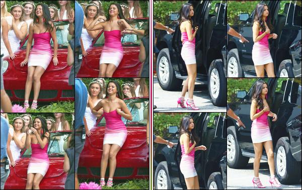 - ''-02/09/15-''- • '-Selena Gomez était sur le tournage du film :« Nos Pires Voisins 2 »se déroulant dans Atlanta. Le lendemain c'est de nouveau sur les lieux qu'elle a été aperçue. Elle y jouera la présidente de la sororité, un rôle très bref dans le film. -