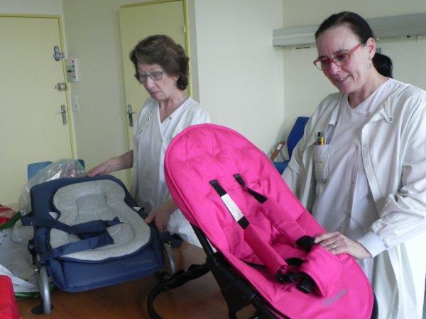 DONS fait par la section des Supporters de SAINT-ETIENNE au service enfants à l'Hôpital de BLOIS..