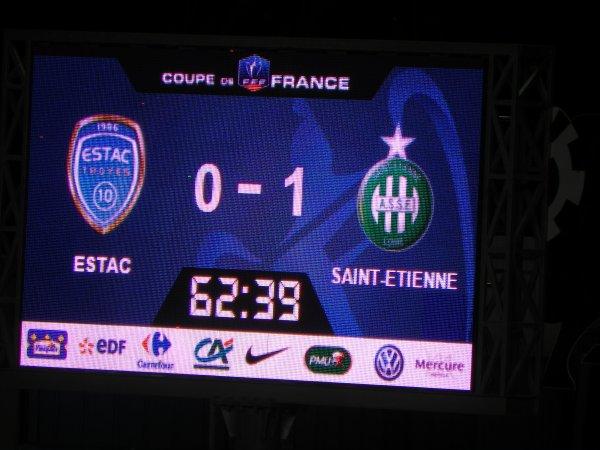 TROYES * ASSE du 10 février 2016 Coupe de France saison 2015-2016. Peu d'ambiance dans le stade, Heureusement les Magics et Green étaient là.
