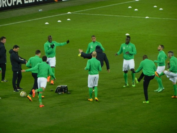 ASSE 3–2 FC BÂLE : .Joueurs à l'échauffement avant une rencontre difficile. Un adversaire invaincu en ligue des Champions.