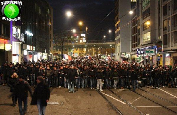 BÂLE * ASSE du 25 février 2015 . Défilé des Supporters et tribune des VERTS.
