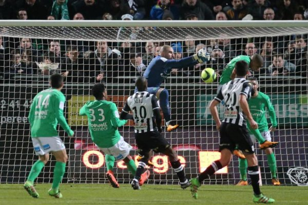 ANGERS  0 * 0 ASSE : les VERTS solides.