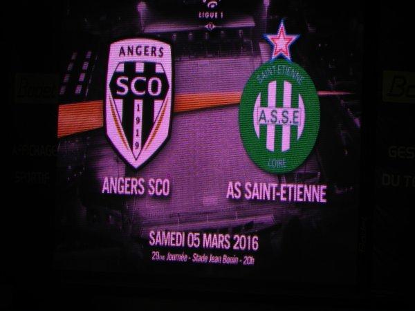 ANGERS * ASSE du 5 mars 2016 . Très belle entrée des joueurs, belle présentation de la part du SCO.