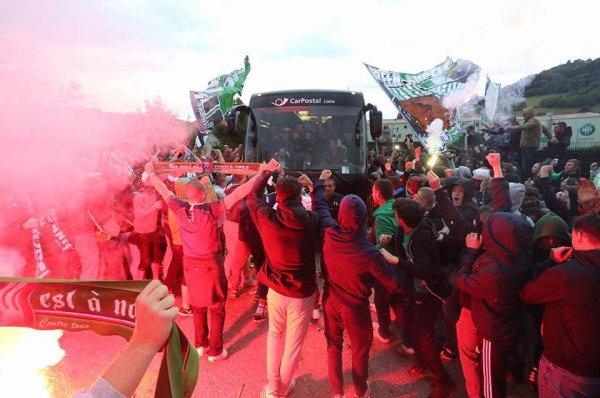 Départ des joueurs pour Lyon, Un derby très tendu.