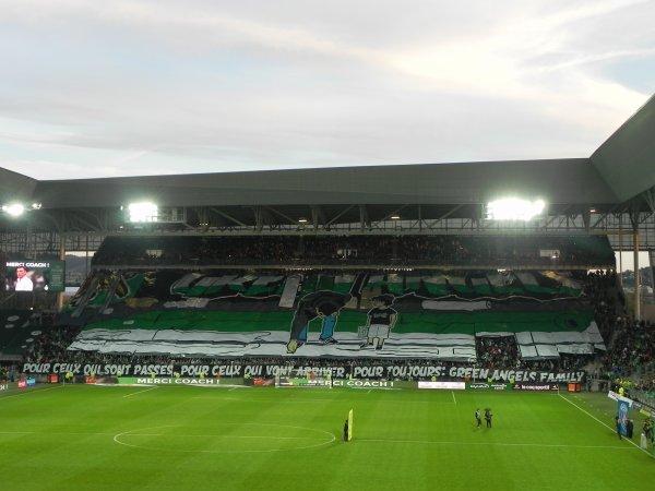 ASSE * PSG du 14 mai 2017, Grosse ambiance dans le CHAUDRON . Super tifos pour les 25 ans des Green Angels.