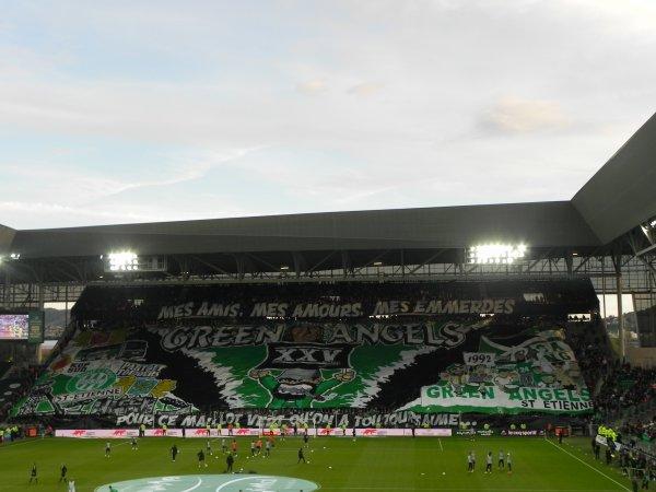 ASSE * PSG du 14 mai 2017, Préparation des joueurs. Grosse ambiance dans le CHAUDRON . Super tifos pour les 25 ans des Green Angels.