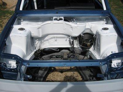 un ptit coup de propre niveau compartiment moteur