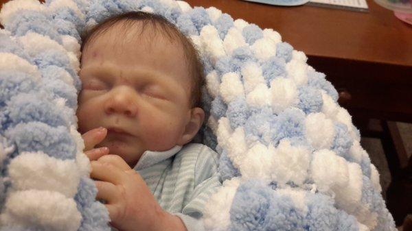 Mon petit Milo est arriver aujourd'hui petit bébé prématuré je l'aime