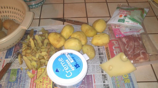 ஹ Gateaux de pommes de terre en Habit Lardé ஹ