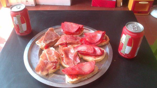 ☮๑  Bruschettas Chorizo , Jambon ๑☮