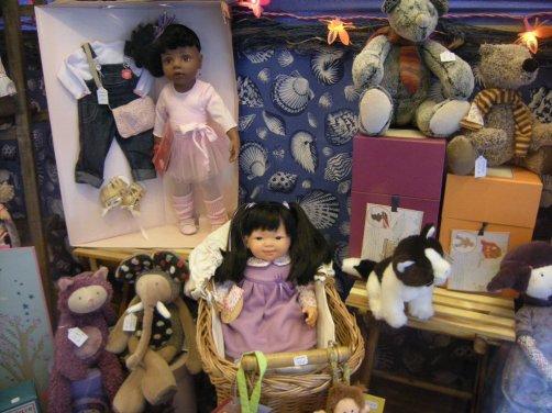 Hannah de chez gotz(en haut à gauche) ,Chinita dans sa belle robe mauve et des zazous colorés et des ours et, et....
