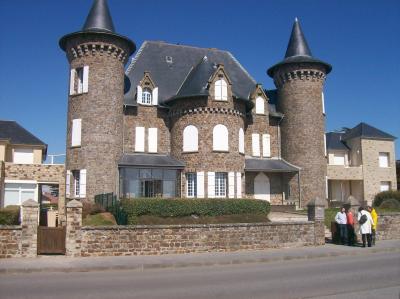 Chateau de chimay club les 2 pattes normande - Office du tourisme de barneville carteret ...