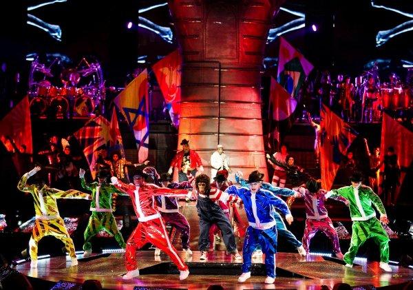 Cirque du Soleil_Immortal Tour MJ 2013_