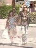 *   Candids - Miley allant déjeuner chez Sharky's avec sa petite s½ur Noah à Los Angeles le 11 Avril  *