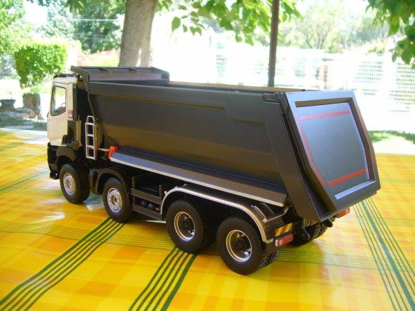 RENAULT K 520  8x4 EXTREM BENNE MEILLER