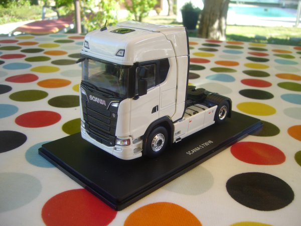TRACTEUR SCANIA  S730  V8