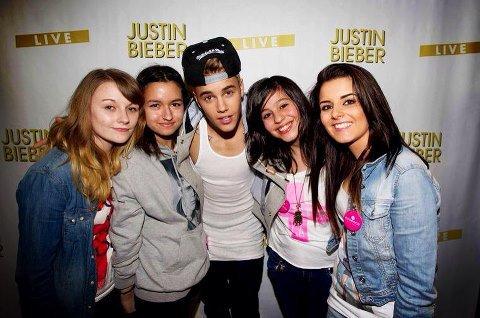Moi est Justin ( je suis celle de droite*  a coté de Justin :DDDD ),