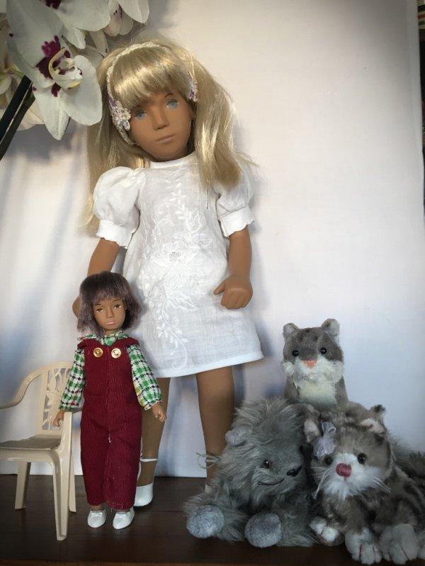 Les SashaChat... La poupée de la poupée...