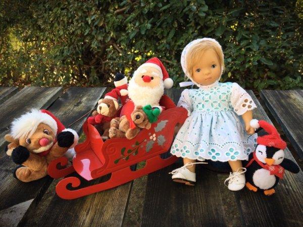 Le traîneau d'Ela, la seule de ma famille qui croit encore au père Noël...