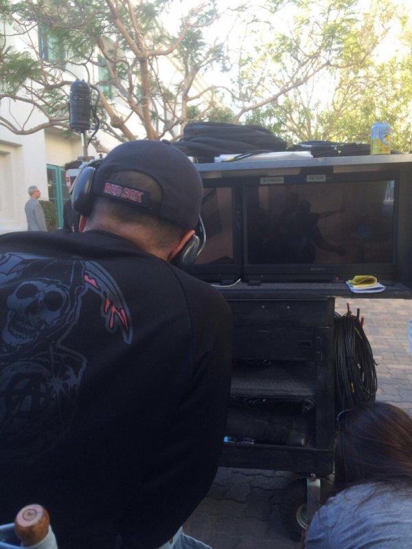 Des photos de tournage de Karl Sonnenberg et de Bruce Bellamy pour les épisodes 11, 12, 13 et 14