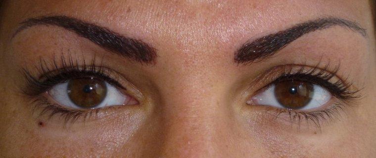 maquillage dermogigmentation des sourcils tatouage sourcil ou maquillage permament sourcil. Black Bedroom Furniture Sets. Home Design Ideas