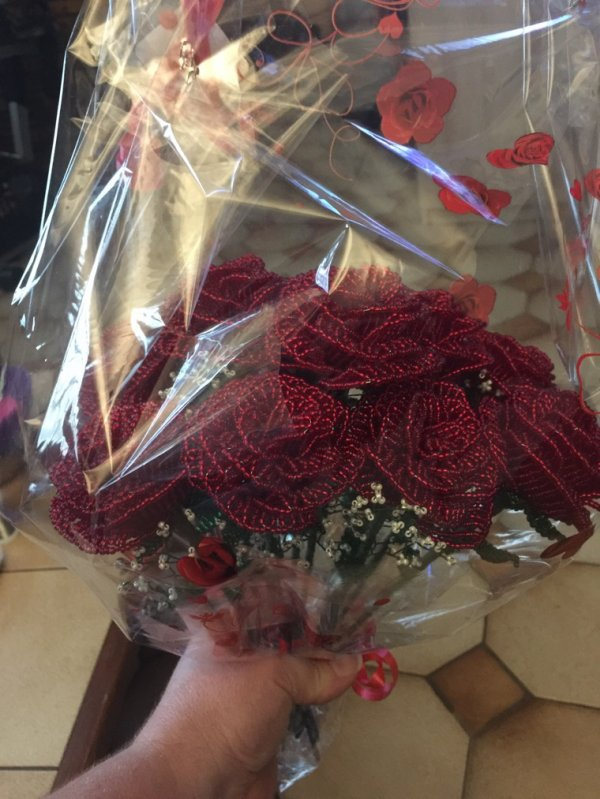 3077 bouquet de roses en perles