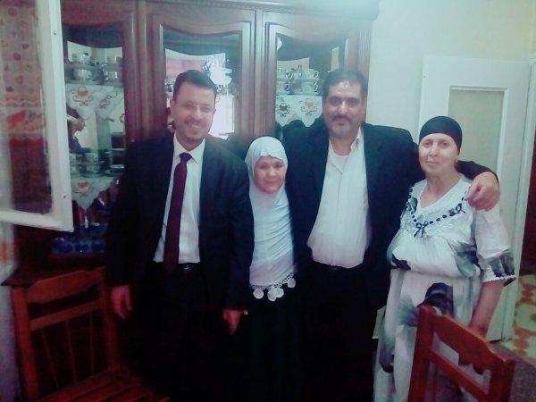 Je suis connu comme Raad, ma mère Fatima, mon frère Ahmad et ma chère tante
