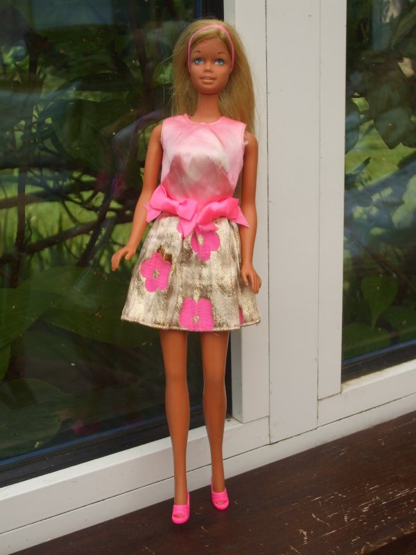 low price sale new specials attractive price 3 tenues Barbie des années 70 - Dingue de poupées