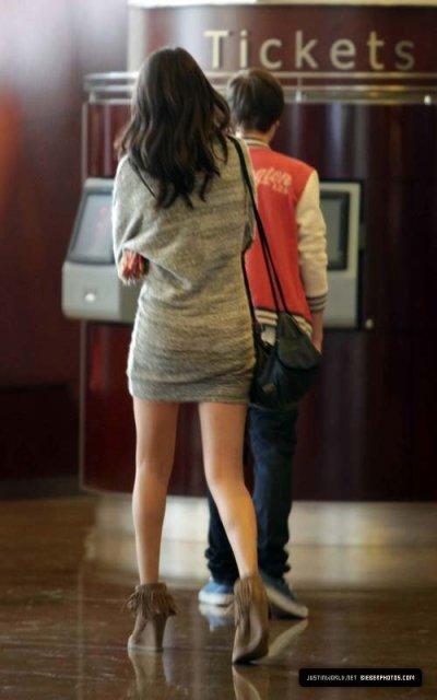 Justin Bieber et Selena Gomez son aller se promenait en Californie avant d'aller acheter des Sushis.