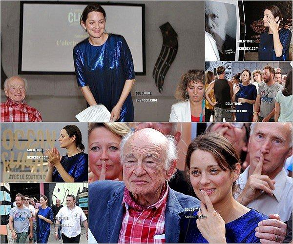 _ Septembre  : Marion Cotillard en compagnie de son maquilleur pour le magazine ELLE. Deux photos très jolies avec un TOP pour la tenue. Vos avis ?.