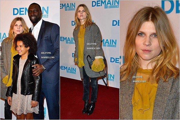 """_ 28/11 : Clémence et Omar Sy présentait """"Demain tout commence"""" en avant première à Paris .  Nicolas Duvauchelle était également présent. Côté tenue, TOP pour Clémence ! Vos avis ?"""