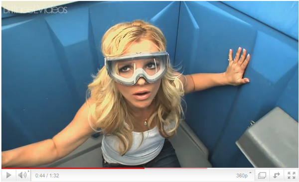 ♦ApparenceLors de son show à Jimmy Kimmel, Britney a participé à 2 sketch vraiment trés drôle.
