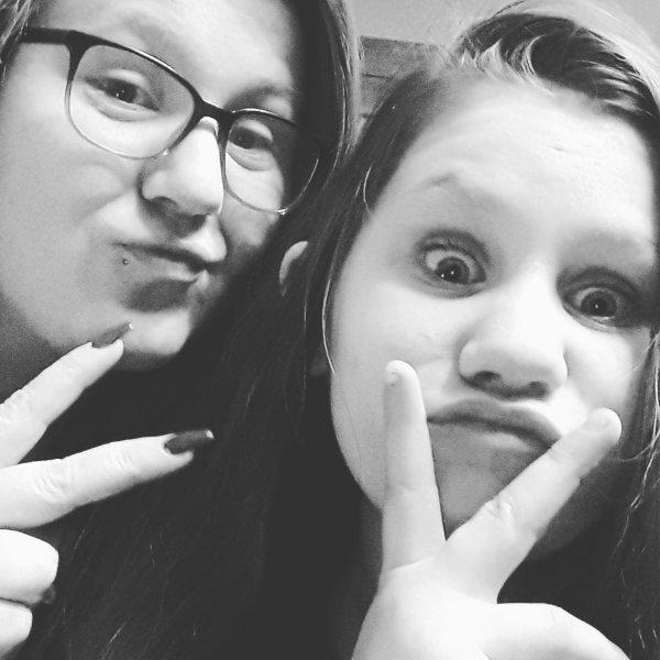 Moi et ma petite soeur 😍😘